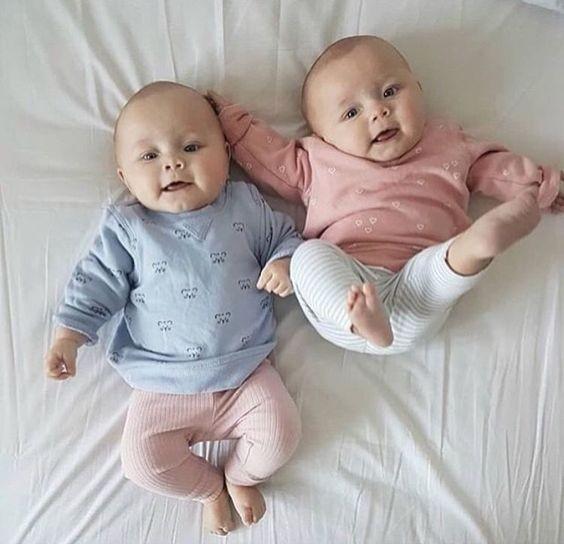 Les jumeaux Covid et Corona