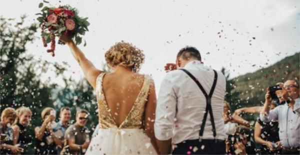 Pour organiser leur mariage les futurs