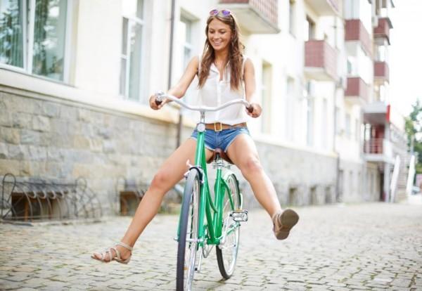 On se déplace à vélo